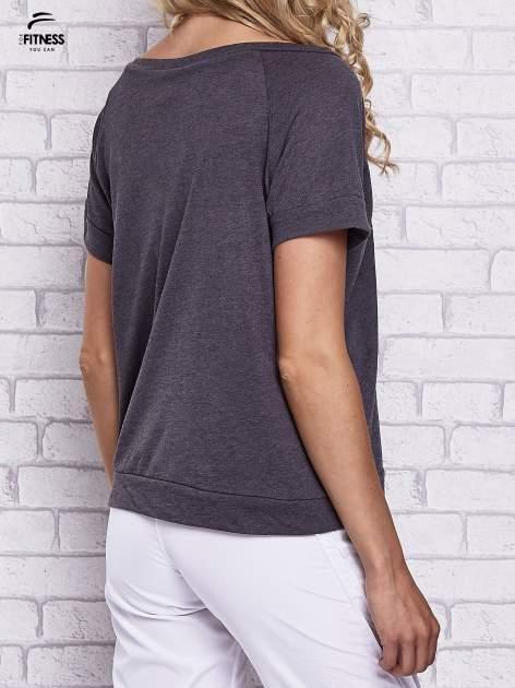 Czarny t-shirt z palmowym nadrukiem                                  zdj.                                  5