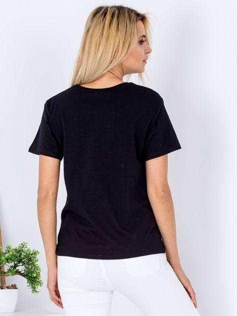 Czarny t-shirt z pluszowym kotem                                  zdj.                                  2