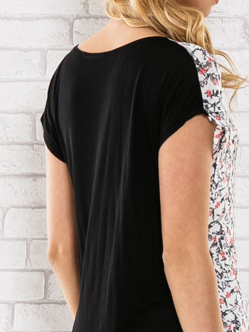 Czarny t-shirt z przedłużanym tyłem                                  zdj.                                  6