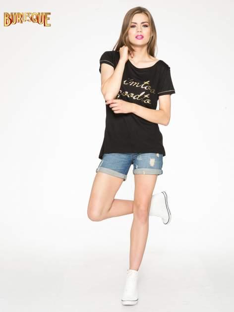 Czarny t-shirt ze złotym hasztagiem                                  zdj.                                  2