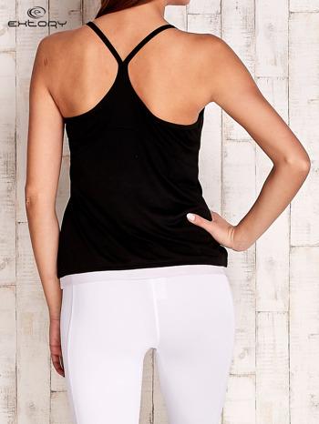 Czarny top sportowy na cienkich ramiączkach