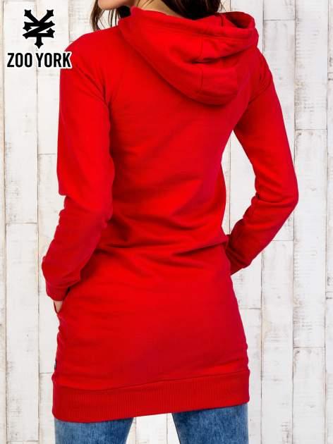 Czerowna dresowa sukienka z kapturem                                  zdj.                                  5