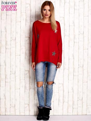 Czerwona bluza z błyszczącymi gwiazdkami                                  zdj.                                  2