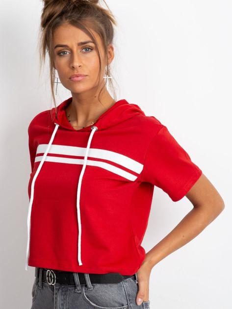 Czerwona bluza z kapturem                              zdj.                              3
