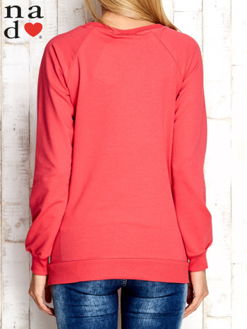 Czerwona bluza z nadrukiem słonia                                  zdj.                                  2