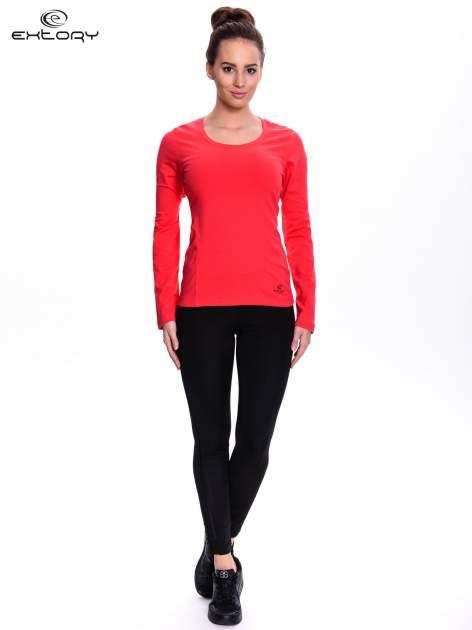 Czerwona bluzka sportowa z dekoltem U                                  zdj.                                  2