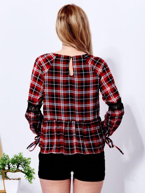 Czerwona bluzka w kratę z koronką                              zdj.                              2