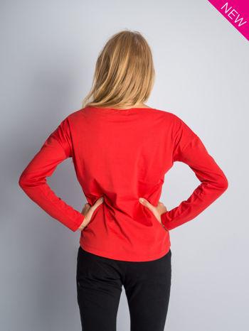 Czerwona bluzka z aplikacją z dżetów z przodu                                  zdj.                                  6