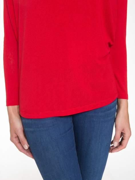 Czerwona bluzka z dekoltem na plecach                                  zdj.                                  7