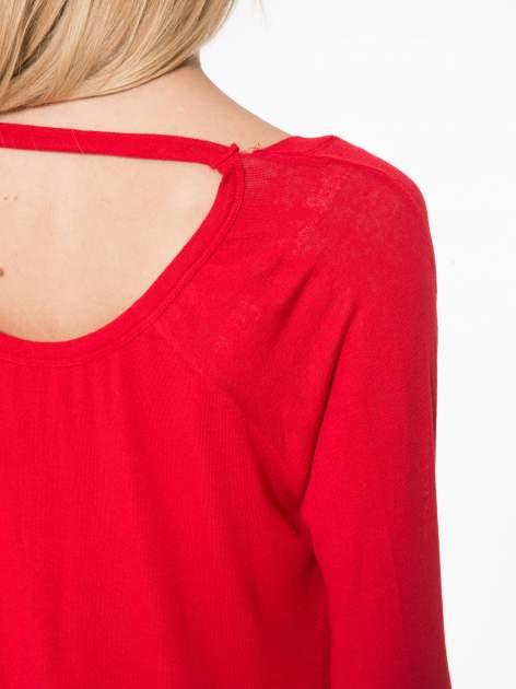 Czerwona bluzka z dekoltem na plecach                                  zdj.                                  9