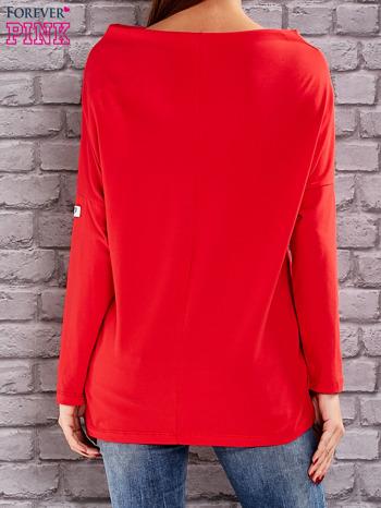 Czerwona bluzka z koralikową aplikacją                                  zdj.                                  3