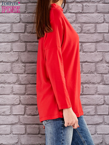 Czerwona bluzka z koralikową aplikacją                                  zdj.                                  4