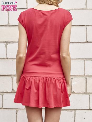 Czerwona dresowa sukienka tenisowa z aplikacją serca                                  zdj.                                  2