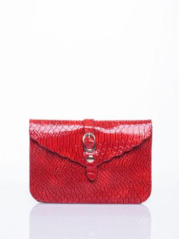 Czerwona kopertówka z motywem skóry krokodyla                                  zdj.                                  1