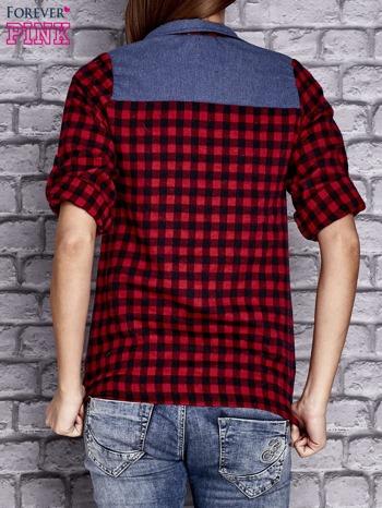 Czerwona koszula w drobną kratkę z denimową wstawką                                  zdj.                                  4