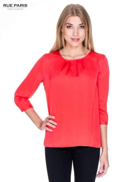 Czerwona koszula z marszczonym dekoltem i rękawami 3/4                                  zdj.                                  1