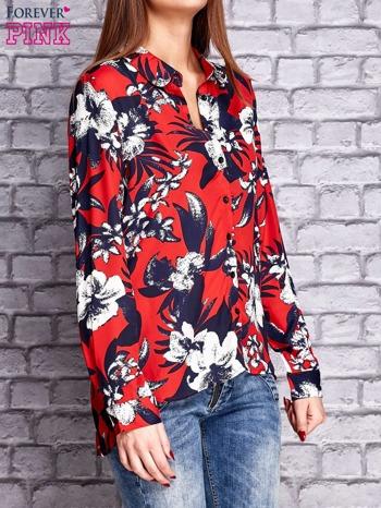 Czerwona koszula z motywem kwiatowym                                  zdj.                                  3