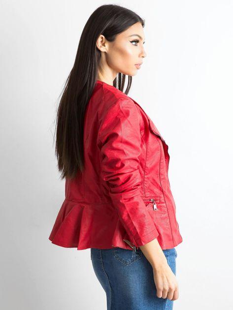 Czerwona kurtka ze skóry ekologicznej                              zdj.                              2