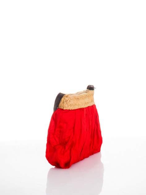 Czerwona listonoszka ze słomkową górą                                  zdj.                                  2