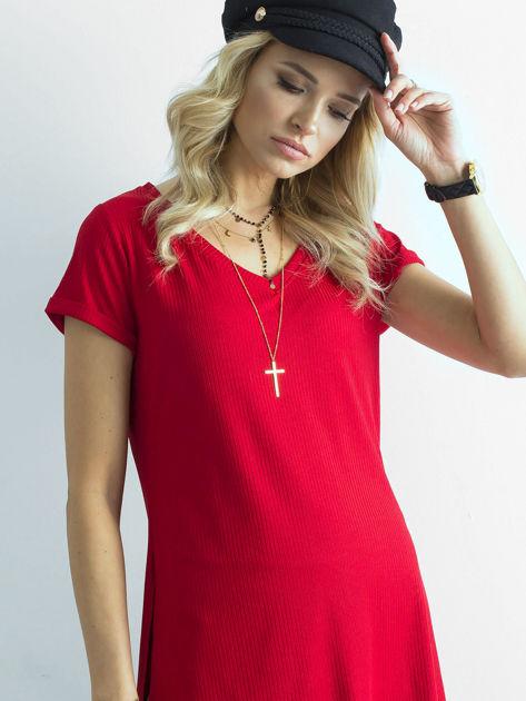 Czerwona prążkowana bluzka w serek                              zdj.                              1
