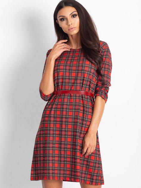 Czerwona prosta sukienka w kratkę                              zdj.                              1