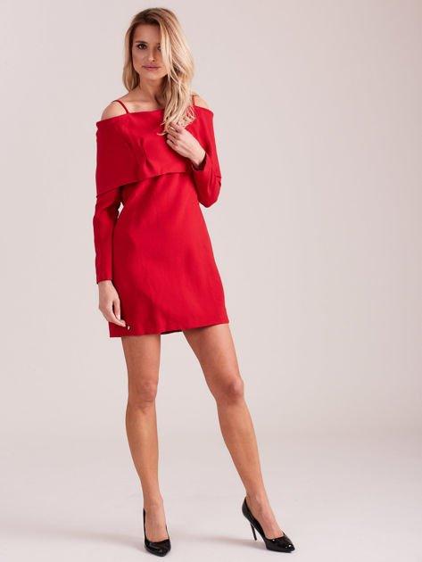 Czerwona sukienka cold arms z szeroką falbaną                              zdj.                              4