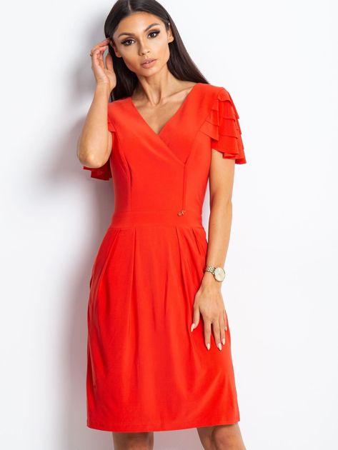 Czerwona sukienka koktajlowa z falbankami na rękawach                              zdj.                              2