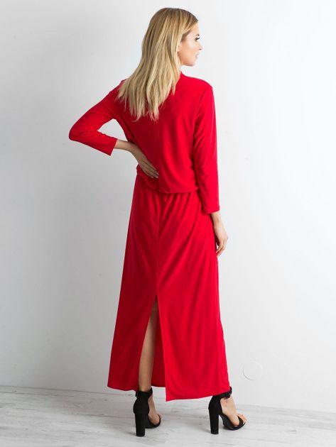 Czerwona sukienka maxi z wycięciem                              zdj.                              2