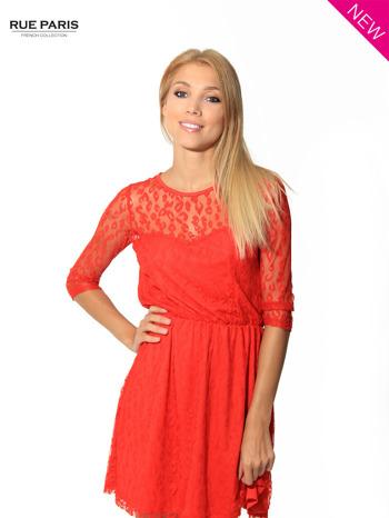 Czerwona sukienka pokryta panterkową siateczką                                  zdj.                                  2