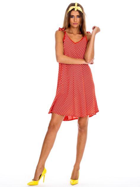 Czerwona sukienka w paski wiązana na ramionach                              zdj.                              4