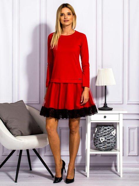 Czerwona sukienka z tiulową spódnicą                                  zdj.                                  4