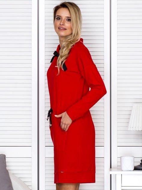 Czerwona sukienka z wstążkami                               zdj.                              5