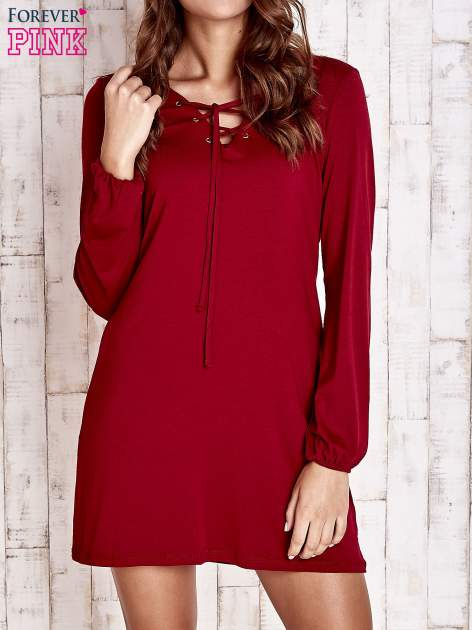 Czerwona sukienka ze sznurowanym dekoltem lace up                                  zdj.                                  1