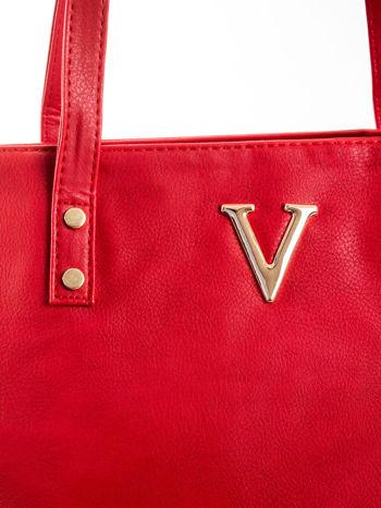 Czerwona torba ze złotym detalem                                  zdj.                                  5