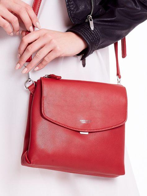 Czerwona torebka damska z klapką                              zdj.                              2