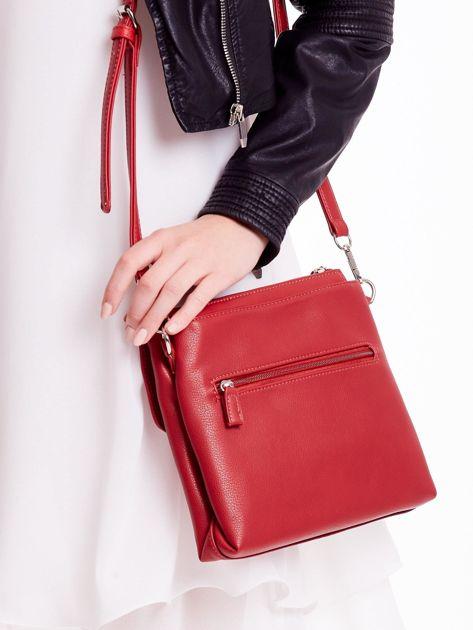 Czerwona torebka damska z klapką                              zdj.                              4
