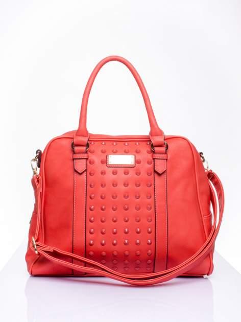 Czerwona torebka miękki kuferek z ćwiekami                                  zdj.                                  2