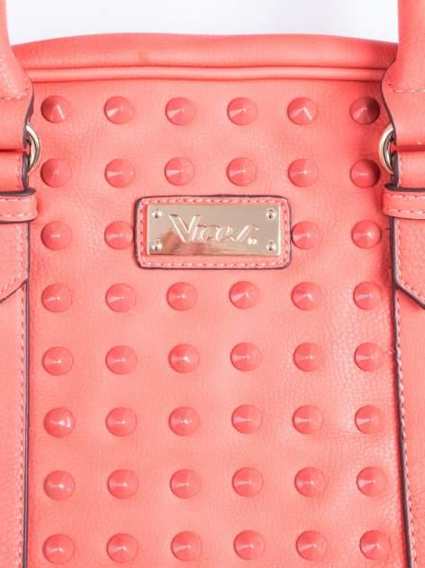 Czerwona torebka miękki kuferek z ćwiekami                                  zdj.                                  6