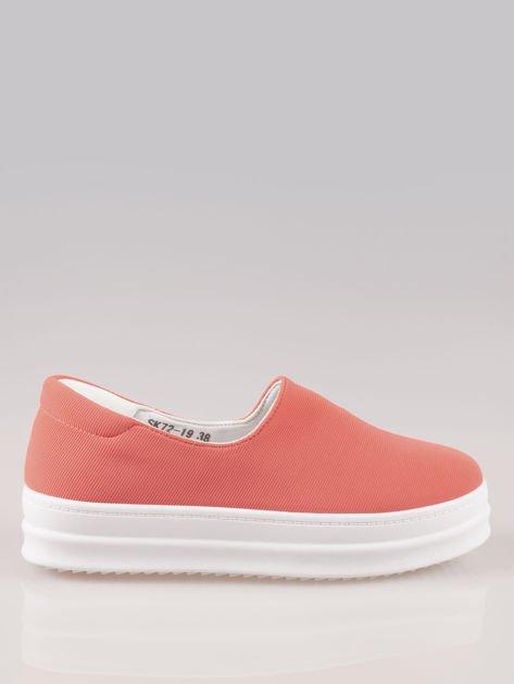 Czerwone buty slip on na wysokiej podeszwie                                  zdj.                                  1