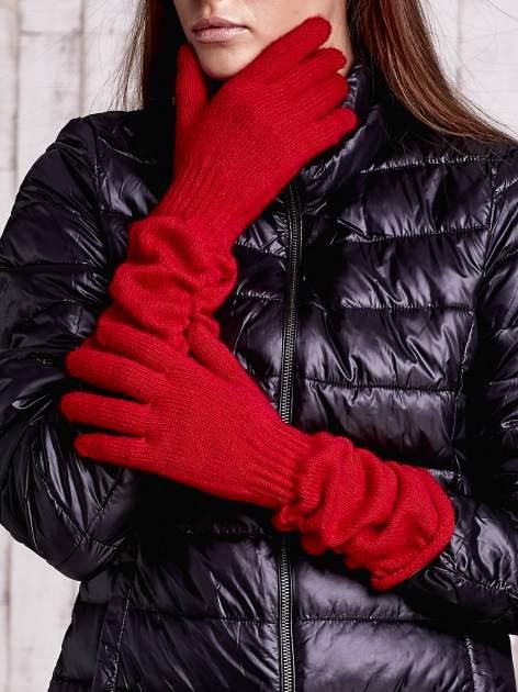 Czerwone długie rękawiczki z marszczonym ściągaczem