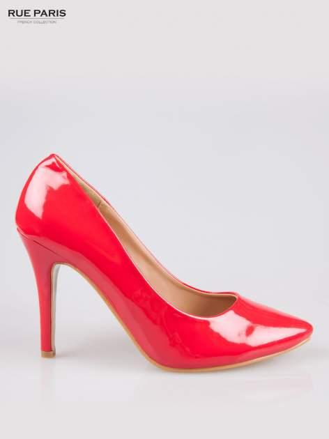 Czerwone klasyczne szpilki ze smukłym noskiem