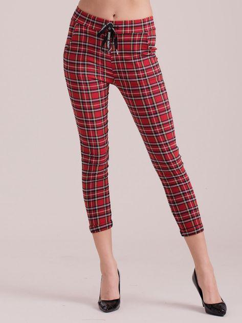 Czerwone spodnie w kratkę                              zdj.                              1