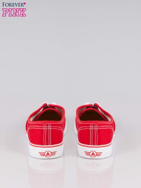 Czerwone tenisówki damskie z białymi przeszyciami                                  zdj.                                  3