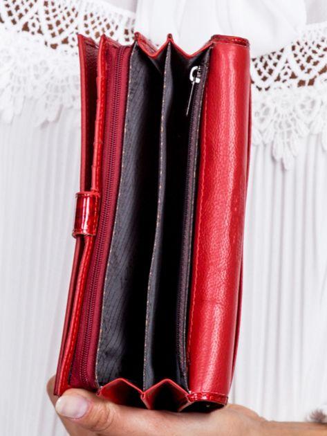 Czerwony cieniowany lakierowany portfel w motyle                              zdj.                              6