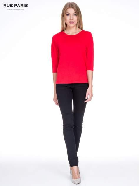 Czerwony klasyczny sweterek z luźnym rękawkiem 3/4                                  zdj.                                  2