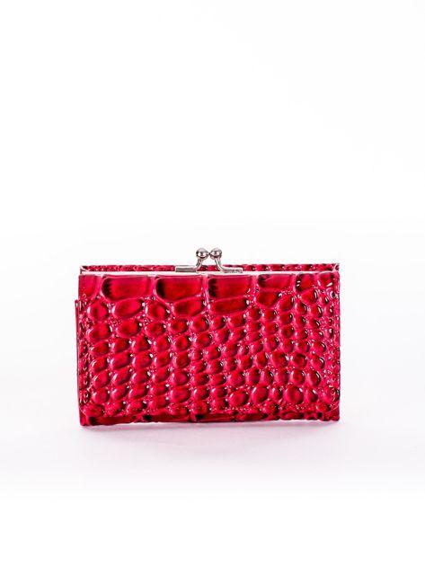 Czerwony lakierowany portfel damski z tłoczeniem