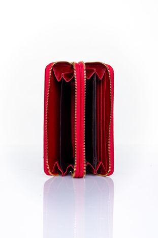 Czerwony pikowany portfel z uchwytem na rękę                                  zdj.                                  4
