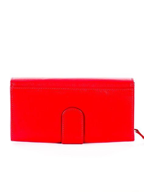 Czerwony podłużny skórzany portfel z klapką                              zdj.                              2