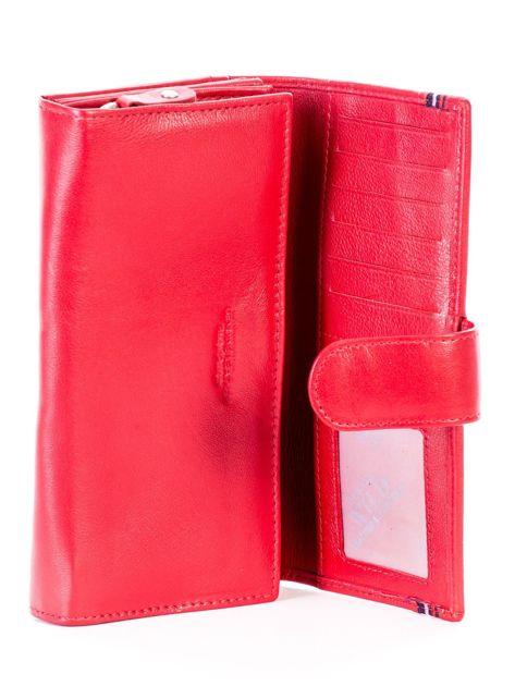Czerwony podłużny skórzany portfel z klapką                              zdj.                              6