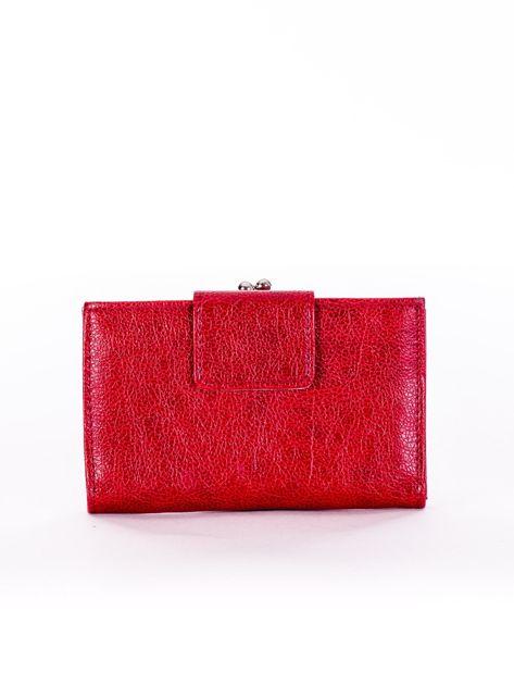 Czerwony portfel damski z klapką